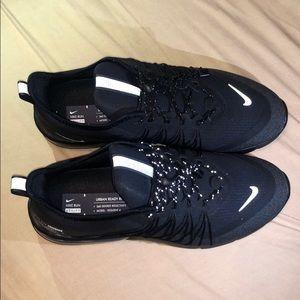 Black Nike Air Max men's shoes